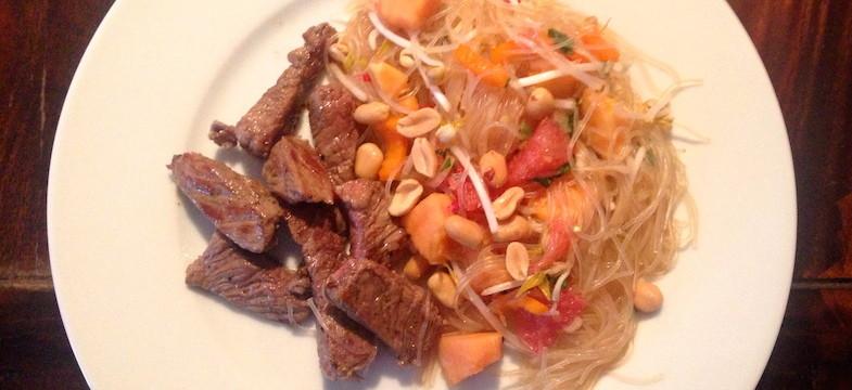 Liebeskummer Rezepte: Rinderfilet mit Glasnudel-Salat