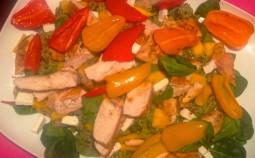 Huhn mit Quinoa-Mango-Salat
